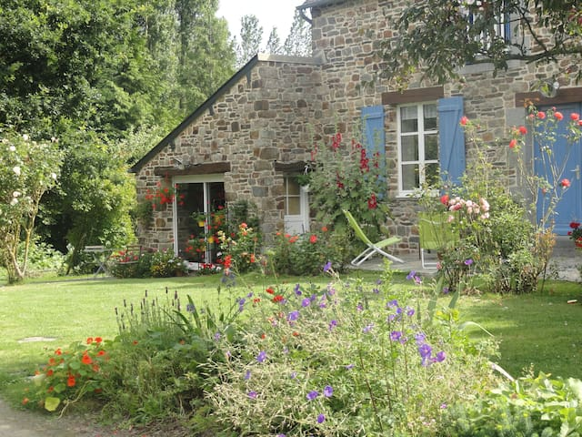 contemporary studio with garden - Dol-de-Bretagne