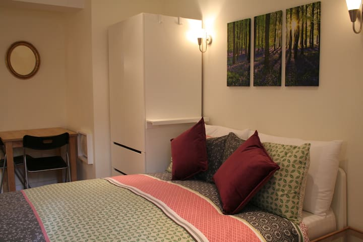x ideally located, modern small studio flat - Bristol - Apartamento