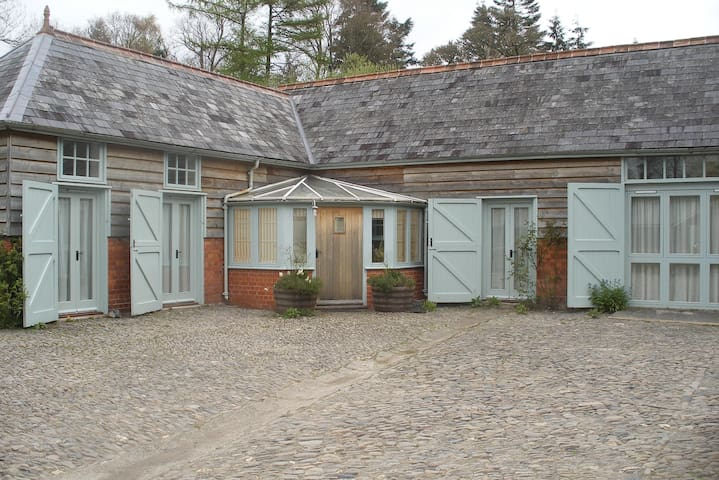 Converted stables, Builth Wells, sleeps 4 - Builth Wells - Huis