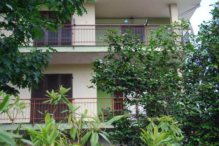 Il Tiglio: nice, spacious apartment - Ghevio - Leilighet