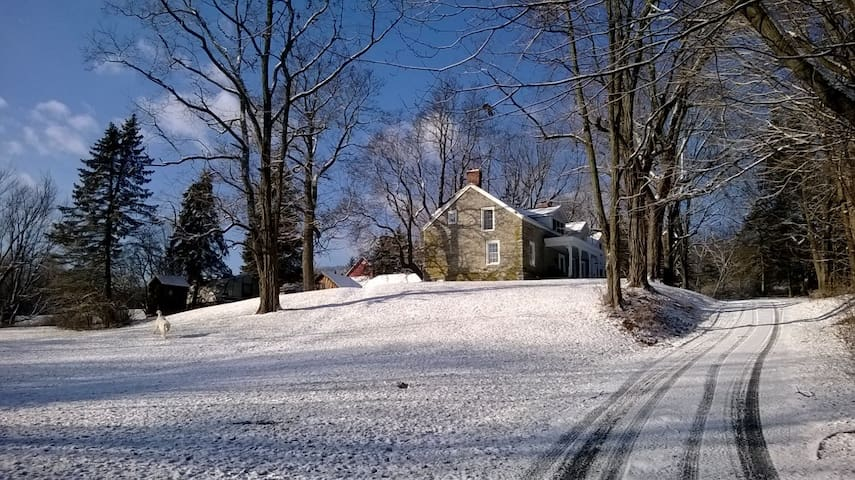 Two rooms side by side in hist farm - West Coxsackie - Bed & Breakfast