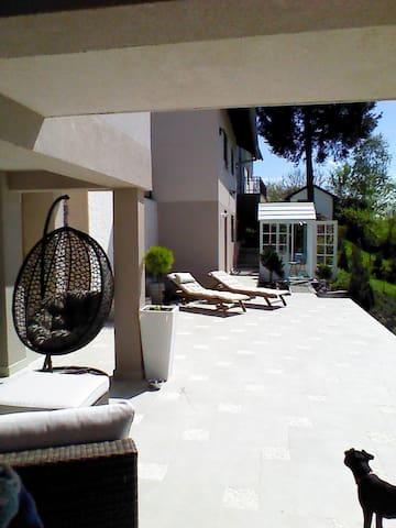Croatian Peace  (Private sun terrace & garden) - Gornji Prnjarovec