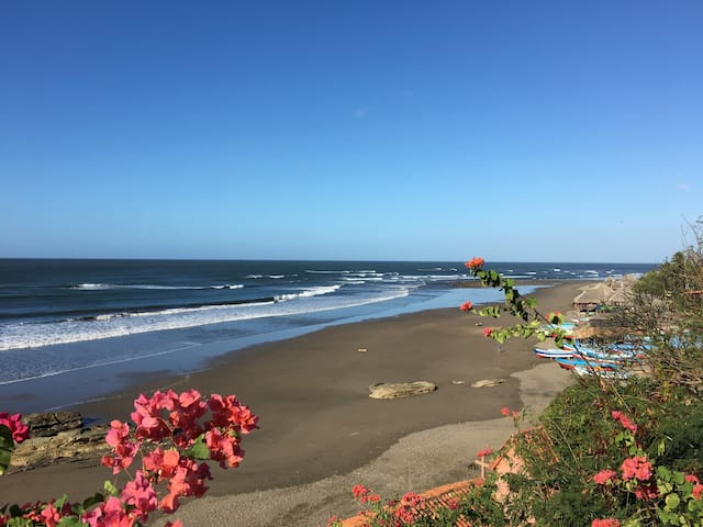 "Beautiful Ocean Front Beach House - ""Maravilla"" - La Boquita - Talo"