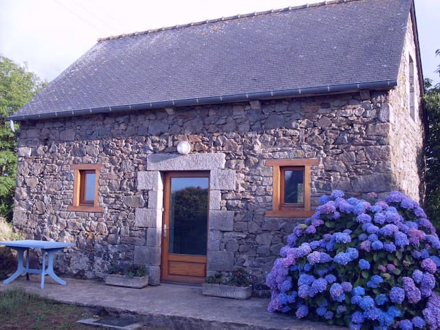 Small country house - Plouëc-du-Trieux - Hus