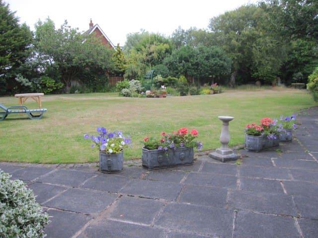 Lytham GF Double bed, superb garden, 2 people - Lytham Saint Annes - Casa
