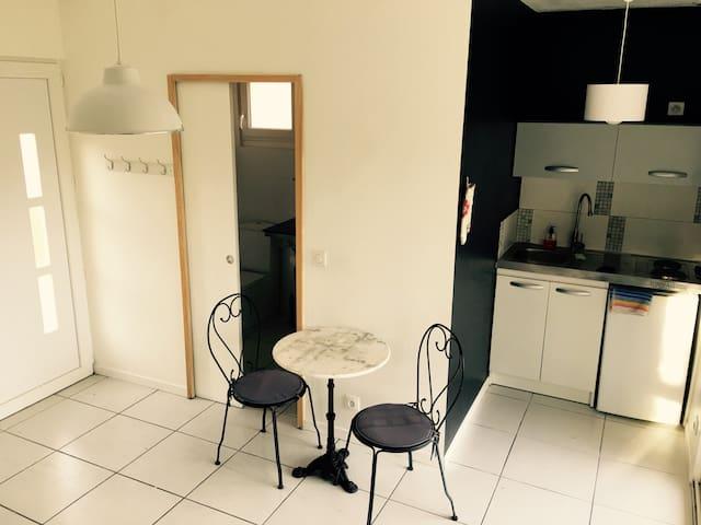 Petite maison indépendante - Saussines - Wohnung