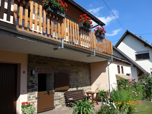 LandhausAppartement zum Wohlfühlen bei Selbstverso - Schalkenbach - Ortak mülk