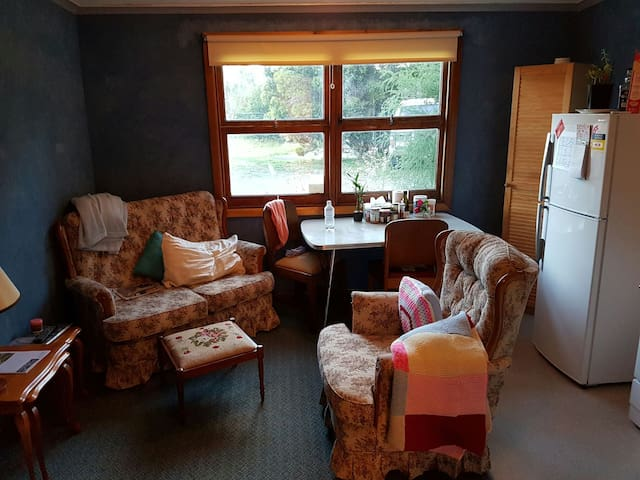 Twin or double, self-contained ground floor flat - Austins Ferry - Appartement