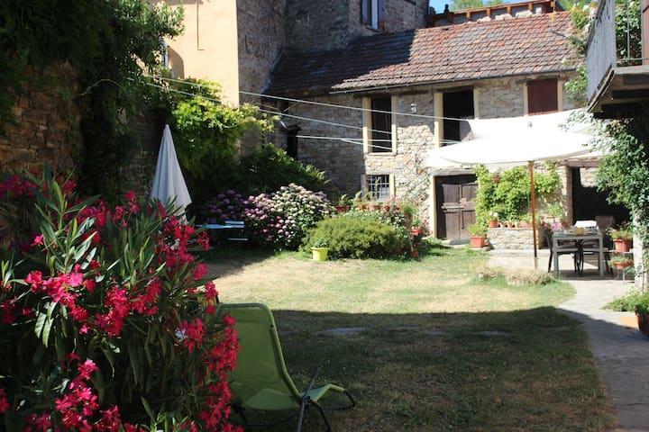 Borgo Antico a San Desiderio - Monastero Bormida - Rumah