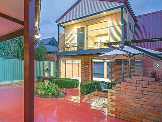 Modern self contained central apt - Ballarat East - Лофт