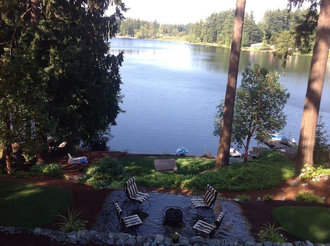 Cozy Shabby Chic Cottage on lake - Auburn - Bed & Breakfast