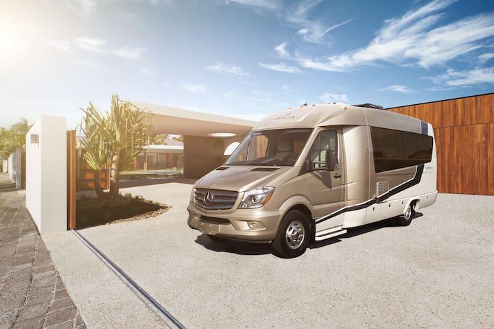Luxurious Class B RV - Yosemite Valley - Karavan