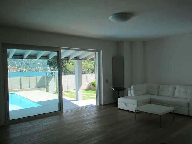 Esclusiva Villa a Lago con piscina - Salò