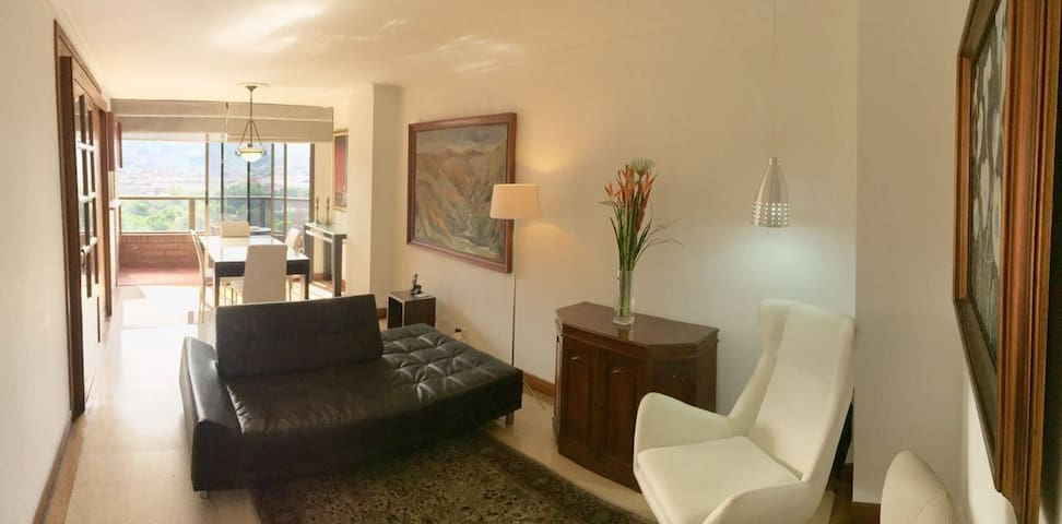 Beautiful and Practical Apartment in El Poblado! - Medellín - Appartamento