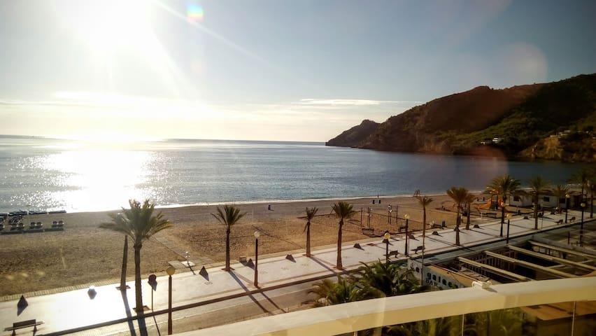 Espectacular apartamento 1ª linea de playa Albir!! - Albir - Departamento