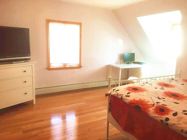 Big Bedroom in a new Luxury House - Queens - Maison