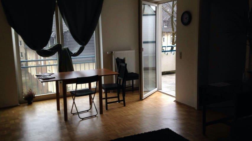 Nice flat...Centrally located - Essen - Apartemen