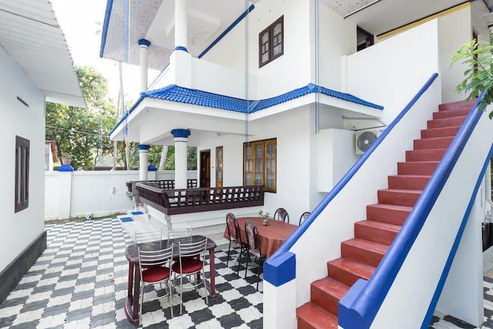 Private room near Marari beach - Xanadu Villa..!! - Mararikkulam North - Bed & Breakfast