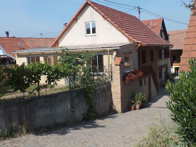 Ferienwohnung auf dem Land - Dahlenheim - Lägenhet