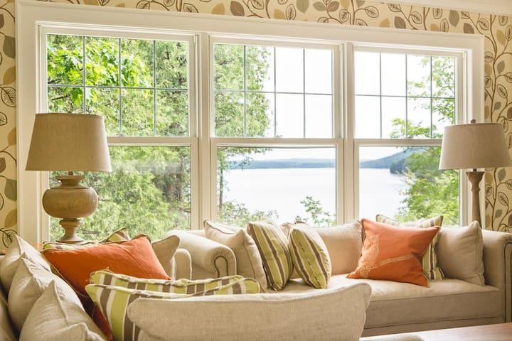Luxury cottage on Lake Massawippi - North Hatley - Casa