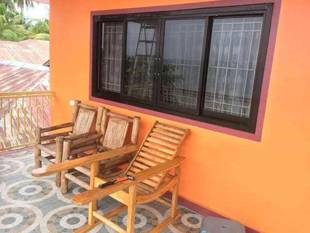 Serene & Peaceful Orange Beach House w/ Pool - Cebu City - Casa