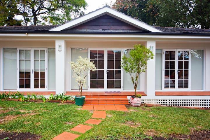 Self Contained Cabana - Strathfield