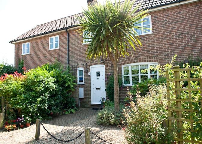 Little Chequers Suffolk Cottage - Suffolk - Casa
