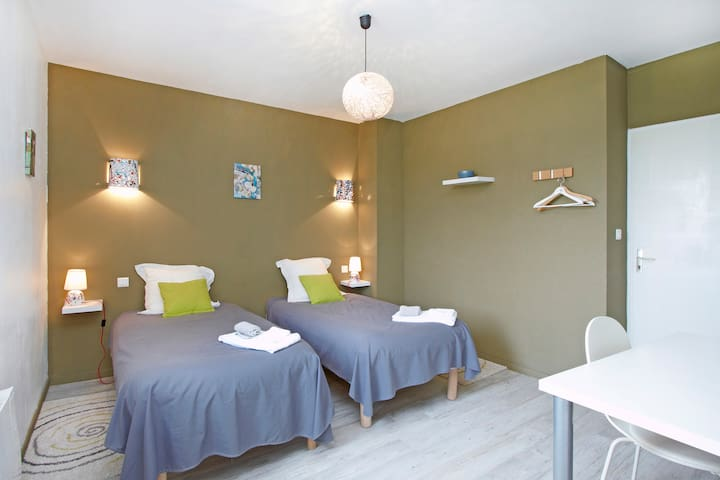 B and B Agathe - bedroom Brouilly - Belleville