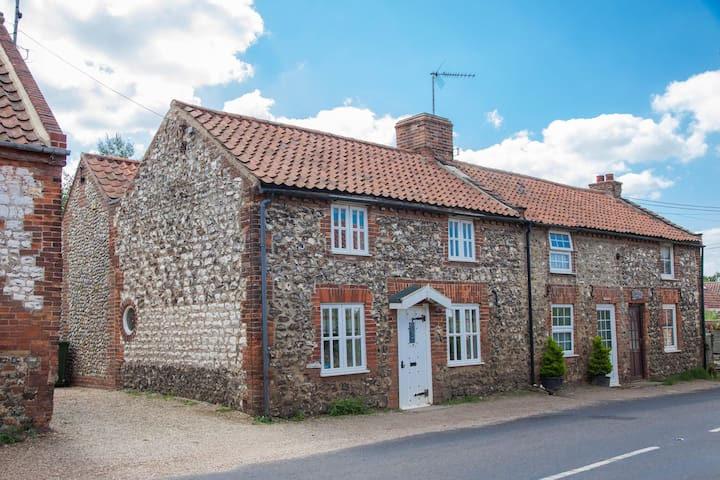 Cobble Cottage - Brancaster