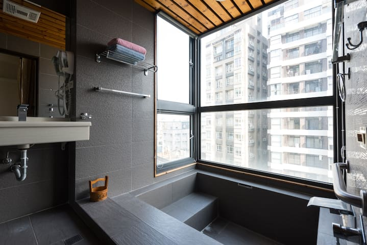 [礁溪泡湯屋] - 全新打造歐式設計公寓 附停車位 - Loft with Hotsprings - Jiaoxi Township - Appartement