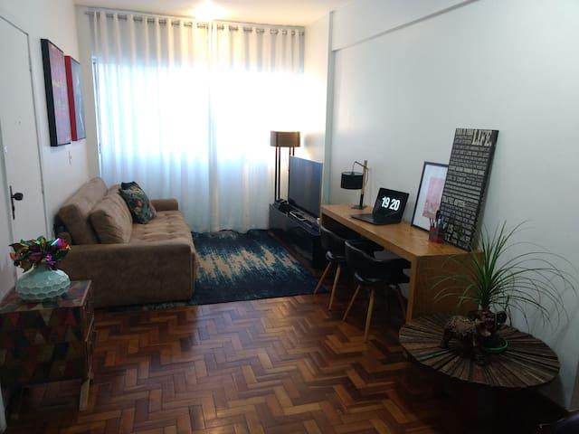 Conforto e tranquilidade no Coração Eucarístico - Belo Horizonte - Lägenhet