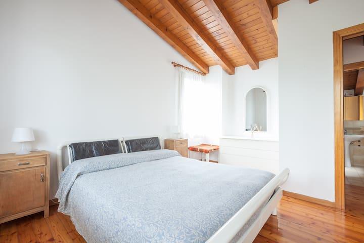 """""""Cal Dea Bora"""" little house in Prosecco hills - San Pietro di Feletto - Lejlighed"""