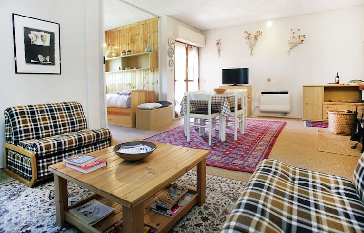 * charming flats@the mountains * up to 9 sleeps - lucoli - Appartement