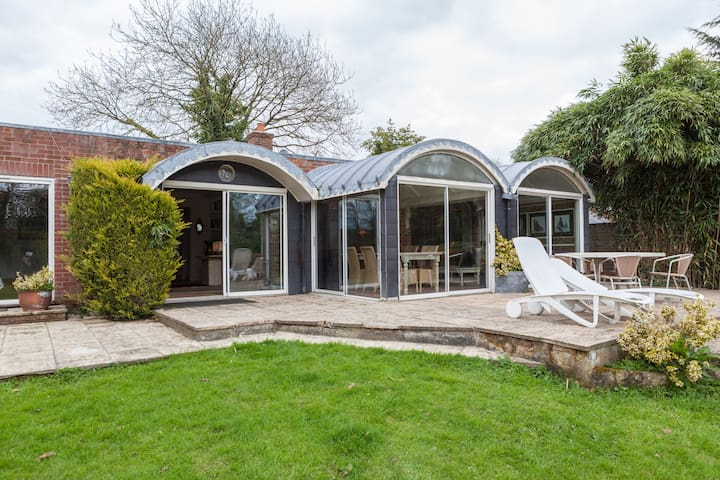 The Summer House and Grounds - Christchurch - Hus