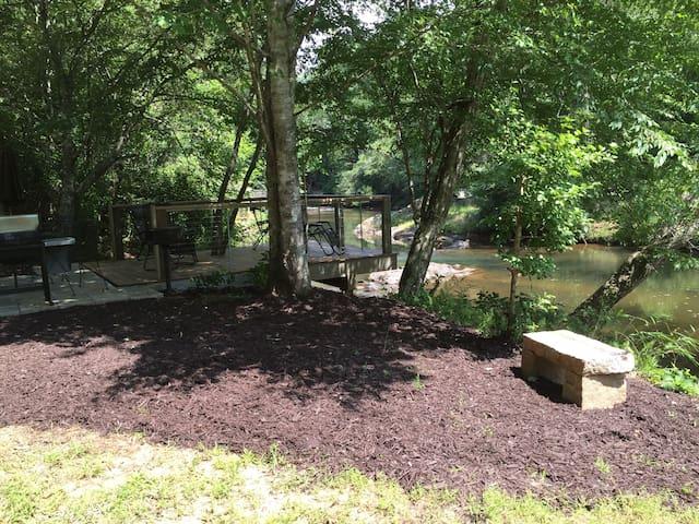 River Nest in Wine Country - Dahlonega - Stuga