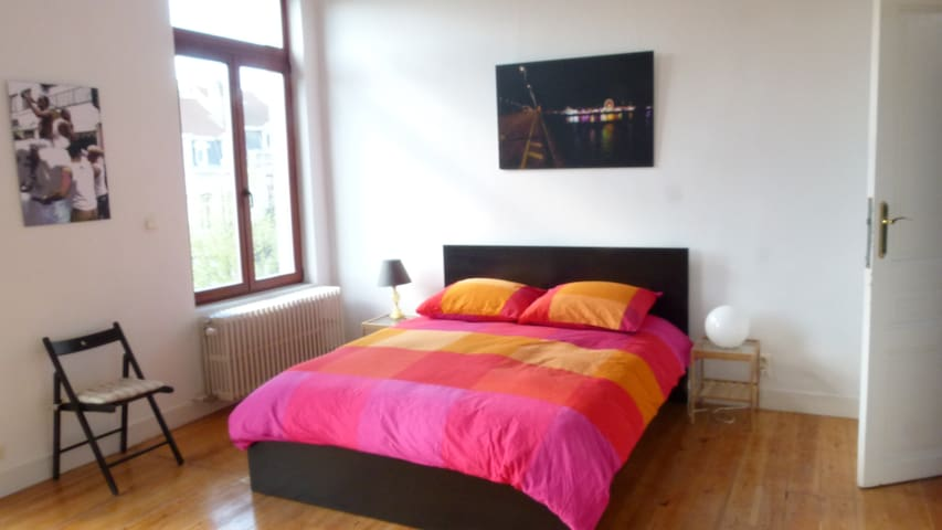 Cozy, Charming and Central in BXL' - Saint-Gilles - Huis