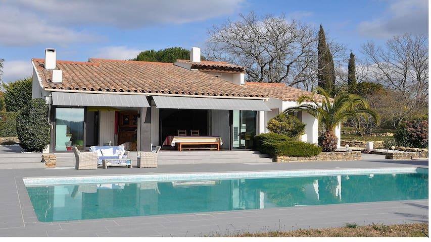 Mas provençal,climatisé, calme absolu, piscine. - Bagnols-en-Forêt - Villa