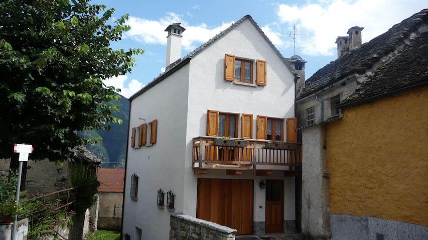Casa indipendente in montagna - Crodo - Huis