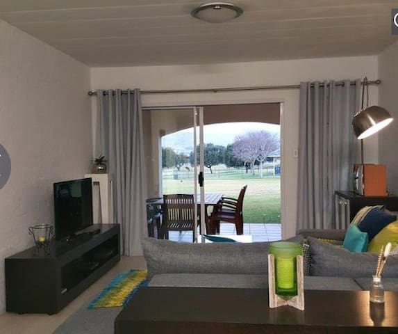 Prestigious apartment with a view - Hartbeespoort - Appartement