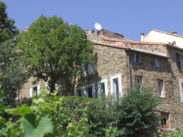 Groot vakantie huis in wijndorp - Roquebrun