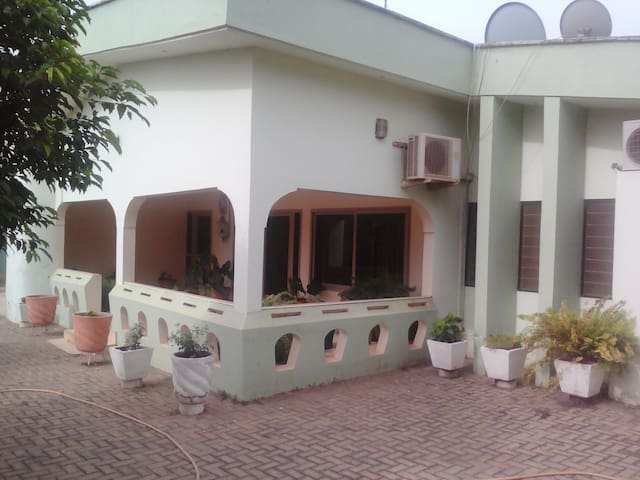 Whole Private House available - Accra - Casa