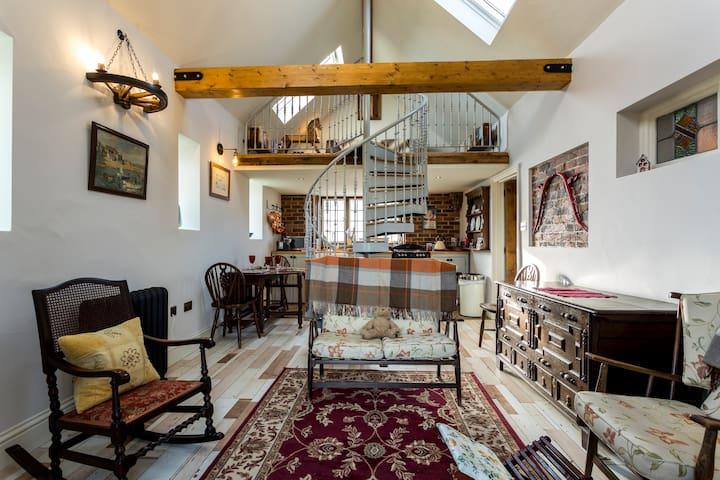 LUXURY COACH HOUSE RENOVATION - West Sussex - Rumah