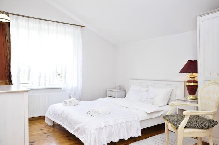 Queen room with shared bathroom - Vilnius - Haus