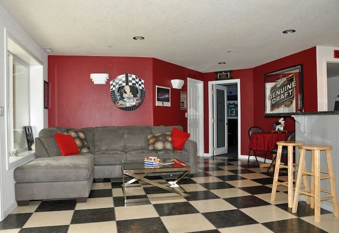 Peaceful - Daylight Basement and Private Entry - Brush Prairie - Hus