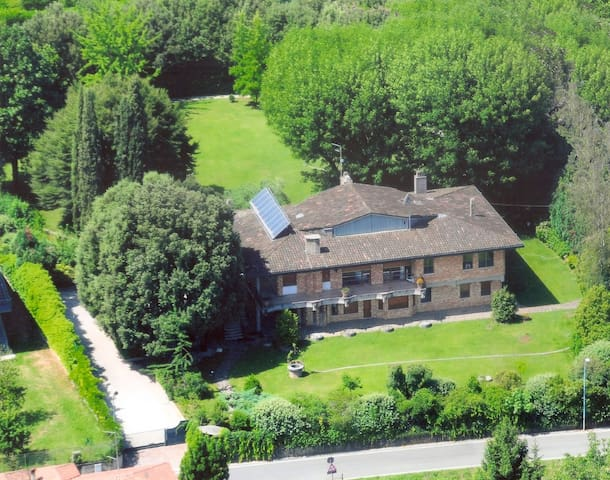 """Villa One""  in the Prosecco Road - Crocetta del Montello - Vila"