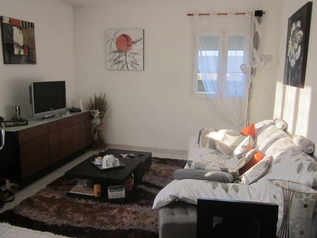 T2 Simple mais confortable, Sainte Victoire - Trets - Lägenhet