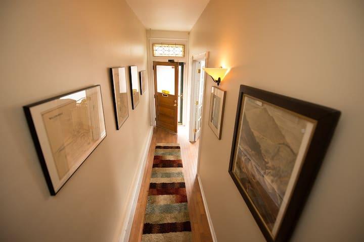 Van Pelt's Suite on Opera Square - Jim Thorpe - Appartement