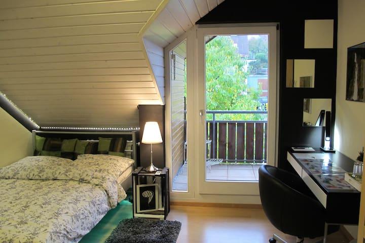 Schönes Zimmer sehr nahe Winnenden - Leutenbach - Appartement