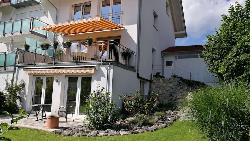Quiet apartment with large terrace - Penzberg - Daire