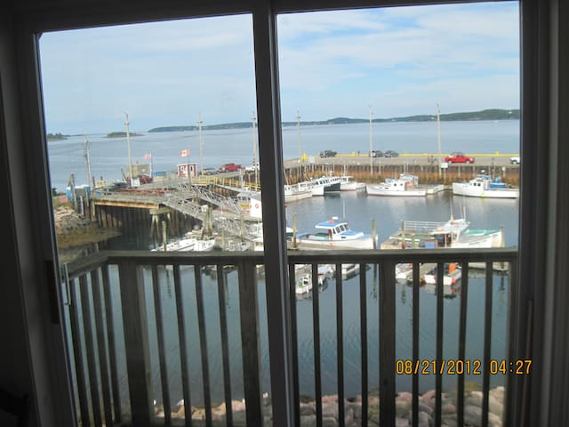On Eastport Harbor Apartment - Eastport